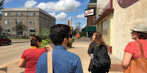 Students visit Iowa city center